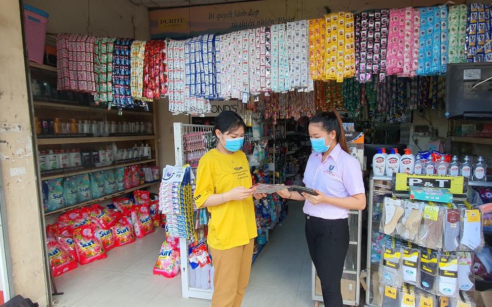 TP.HCM: Nhân viên bán hàng thiết yếu mong mỏi được tiêm vaccine Covid-19