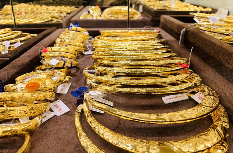 Giá vàng SJC trong nước 'bất động', thế giới tăng nhẹ - Ảnh 1.
