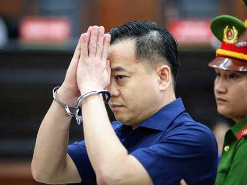 Cựu Phó tổng cục Tình báo Nguyễn Duy Linh bị đề nghị truy tố kịch khung tội nhận hối lộ - Ảnh 1.