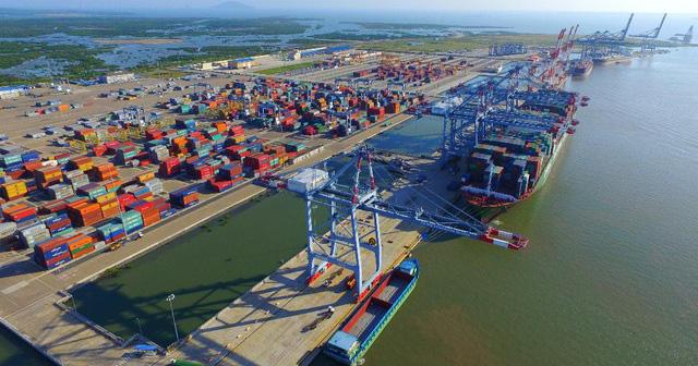 Bế mạc kỳ họp thứ nhất HĐND TP.HCM khóa X: Lùi thời gian thu phí cảng biển, giữ nguyên hệ số điều chỉnh giá đất - Ảnh 3.