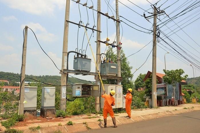 Công ty Điện lực Đắk Nông: Nâng cao ý thức, chủ động phòng tránh tai nạn lao động - Ảnh 1.
