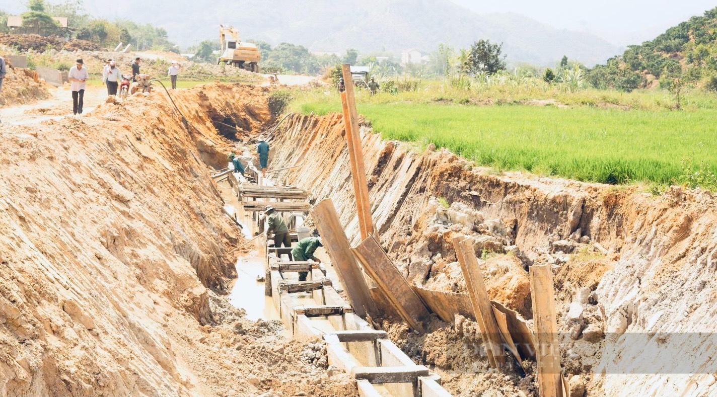"""Đắk Nông: Dân mỏi mòn chờ công trình 90 tỷ hoàn thành, chủ đầu tư """"hờ hững"""" xin gia hạn lần thứ 4 - Ảnh 1."""