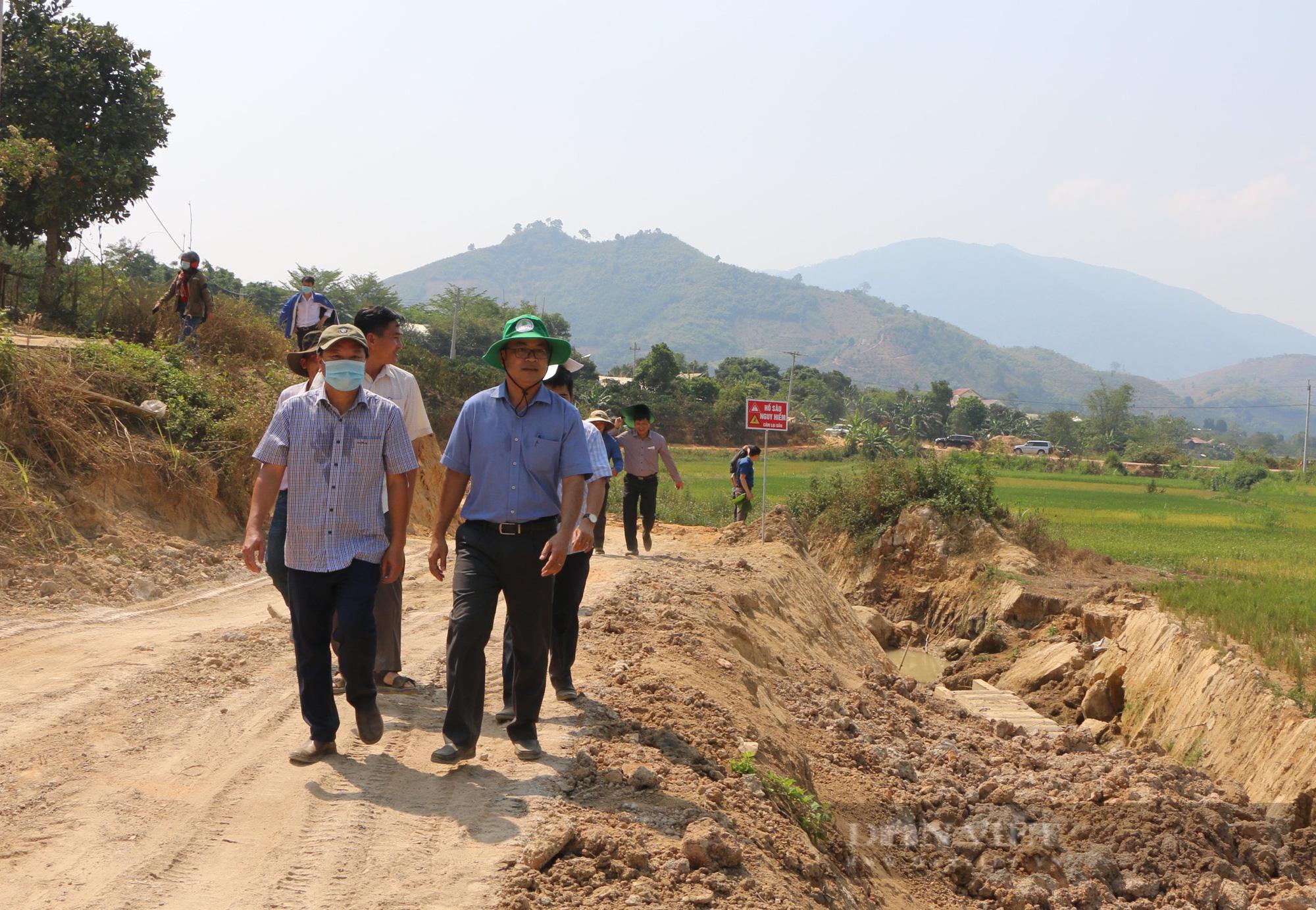 """Đắk Nông: Dân mỏi mòn chờ công trình 90 tỷ hoàn thành, chủ đầu tư """"hờ hững"""" xin gia hạn lần thứ 4 - Ảnh 3."""