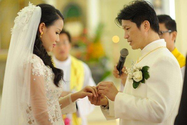 Nét đặc trưng đám cưới người có đạo Thiên Chúa - Ảnh 4.