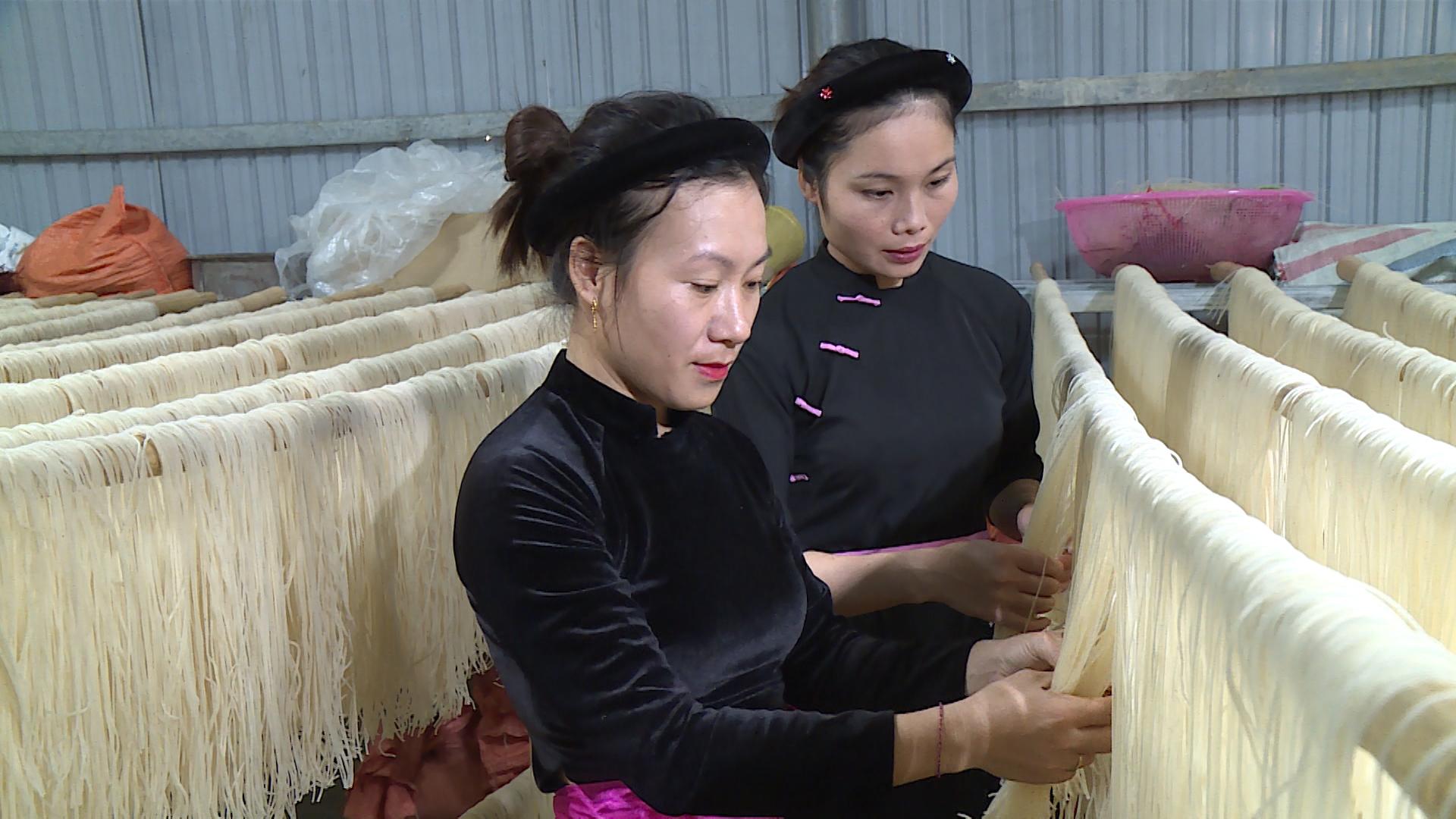 Phát triển mô hình kinh tế: Đòn bẩy xây dựng nông thôn mới ở xã Đà Vị - Ảnh 1.