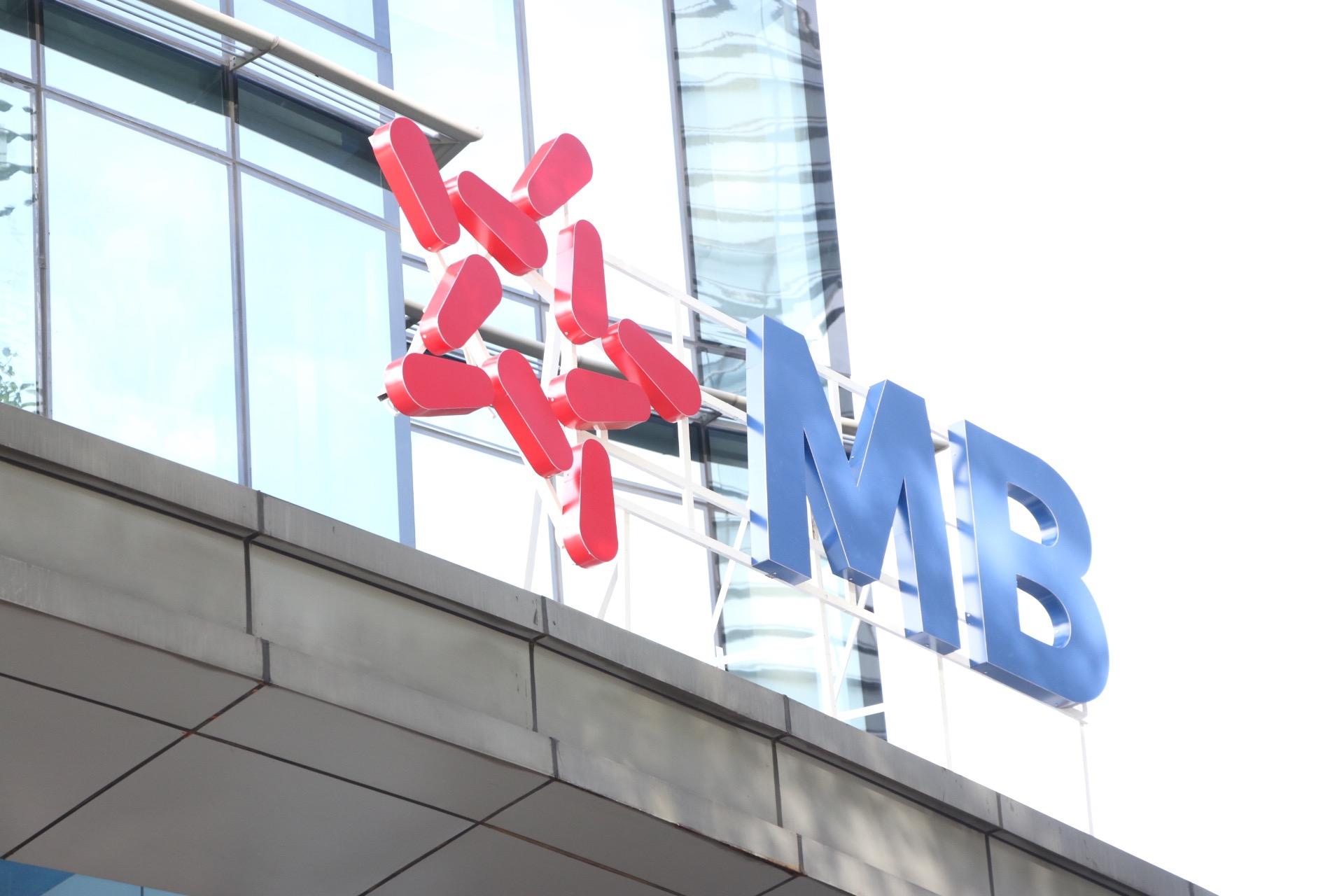 """MBB """"tím lịm"""" sau thông tin MB được chấp thuận tăng vốn thêm gần 9.800 tỷ - Ảnh 1."""