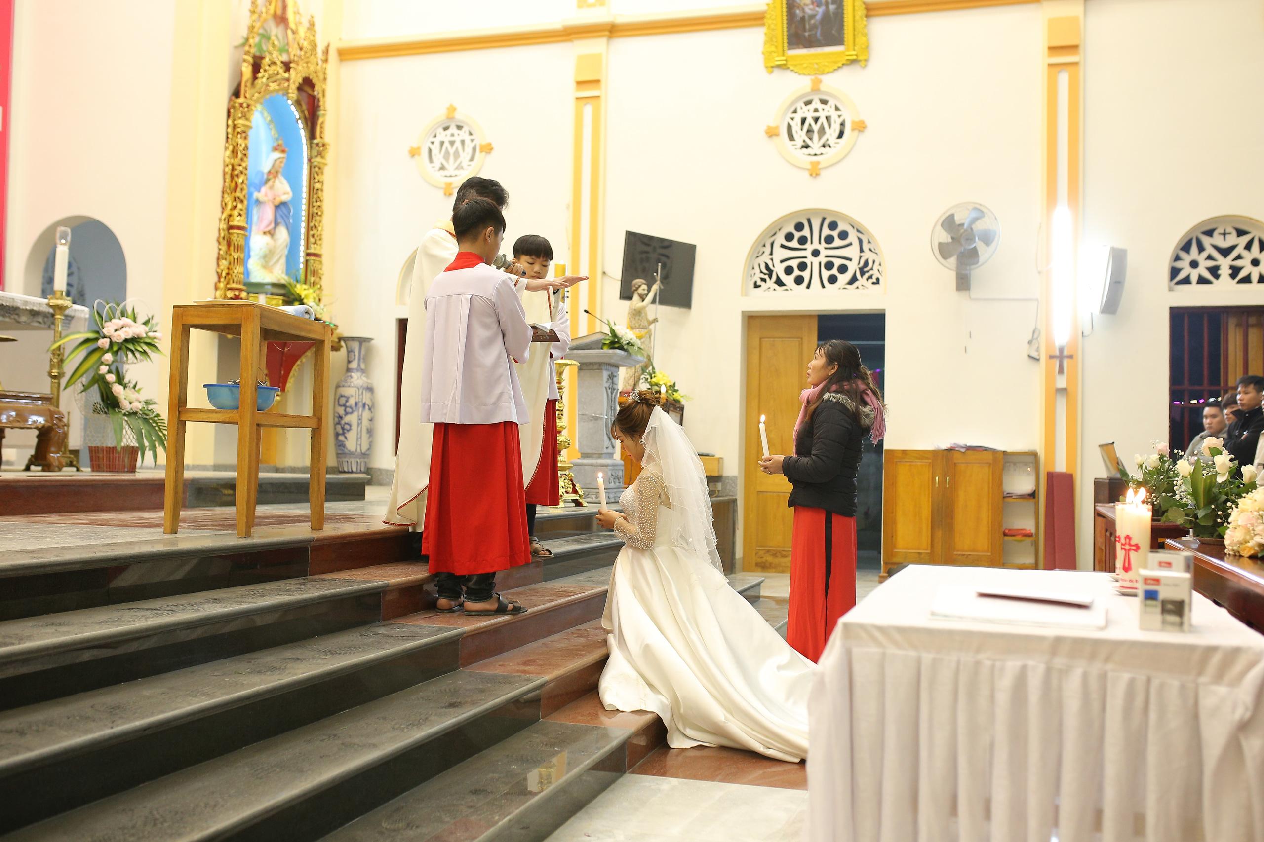 Nét đặc trưng đám cưới người có đạo Thiên Chúa - Ảnh 6.