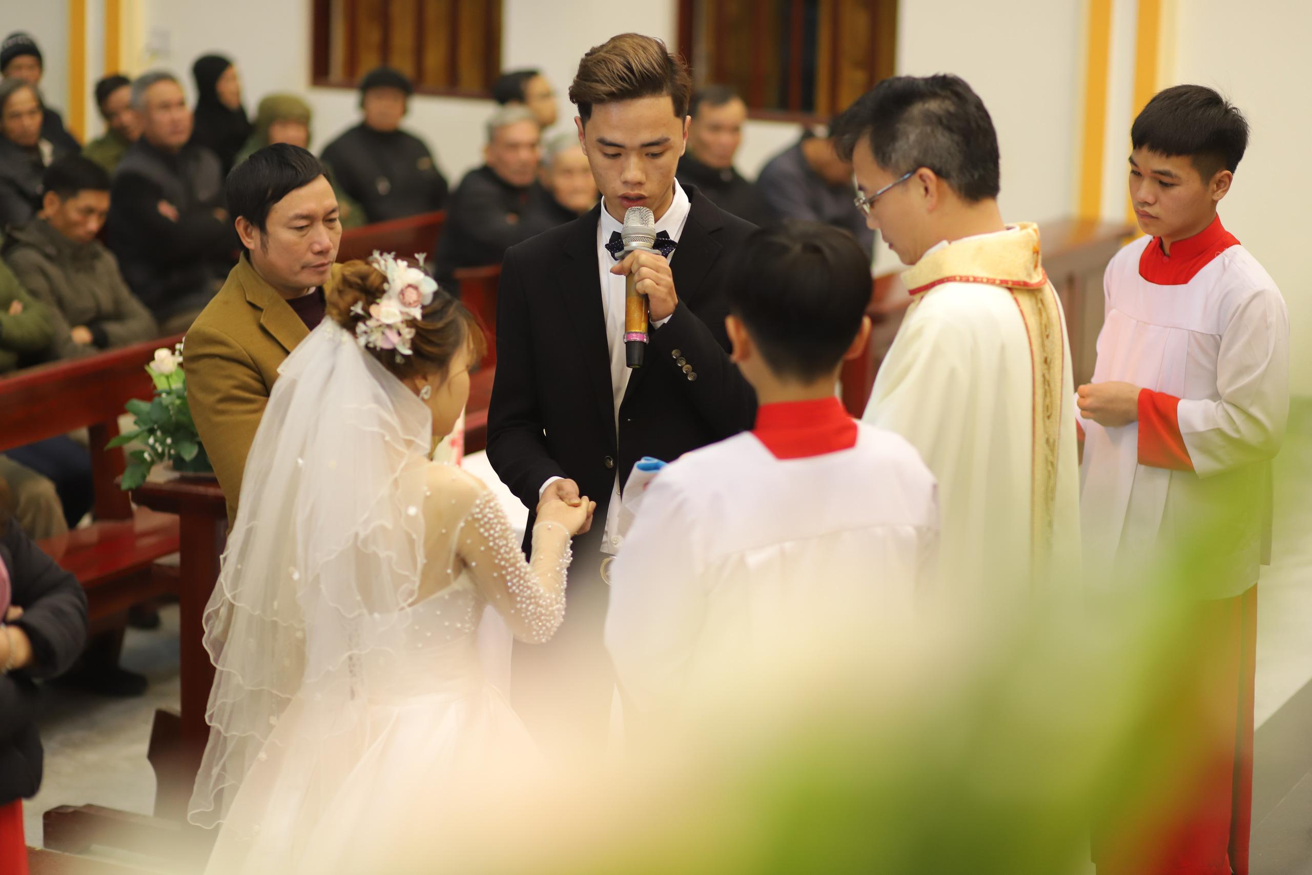 Nét đặc trưng đám cưới người có đạo Thiên Chúa - Ảnh 3.