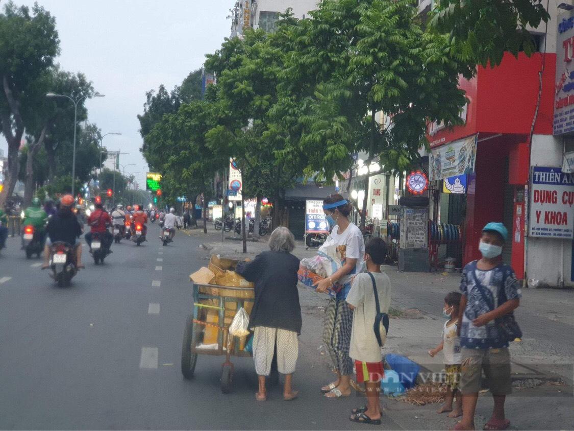 Báo Nông thôn Ngày nay/Điện tử Dân Việt tiếp sức mùa dịch cho người dân tại TP.HCM - Ảnh 9.
