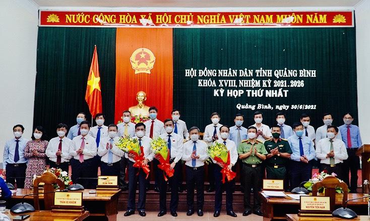 Quảng Bình: Ông Trần Thắng tái đắc cử Chủ tịch UBND tỉnh - Ảnh 2.