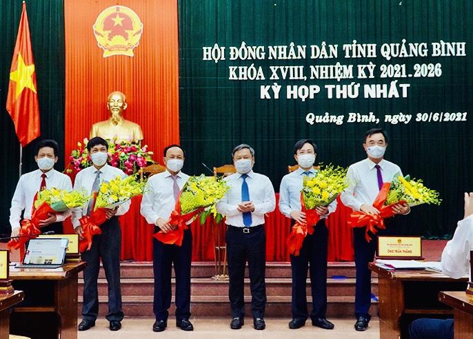 Quảng Bình: Ông Trần Thắng tái đắc cử Chủ tịch UBND tỉnh - Ảnh 1.