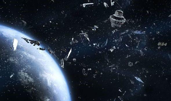 """""""Rác không gian"""" gây ra mối đe dọa cho ISS và các tàu vũ trụ - Ảnh 1."""