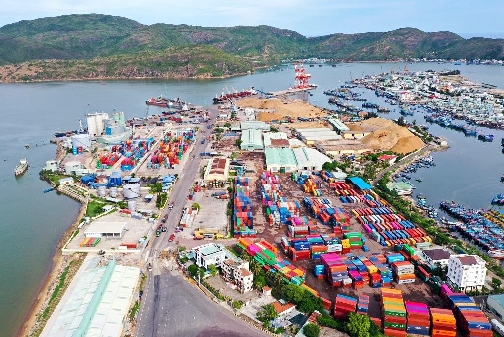 """1 tháng, dòng vốn đầu tư trong nước """"rót"""" vào Bình Định hơn 333 tỷ đồng - Ảnh 3."""