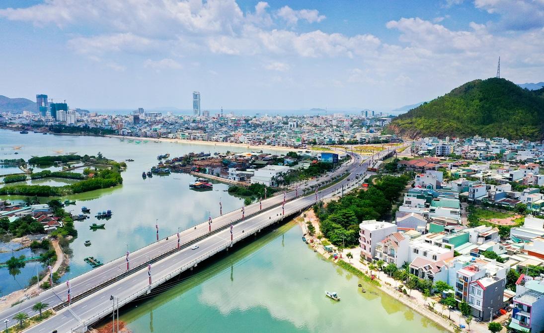 """1 tháng, dòng vốn đầu tư trong nước """"rót"""" vào Bình Định hơn 333 tỷ đồng - Ảnh 2."""