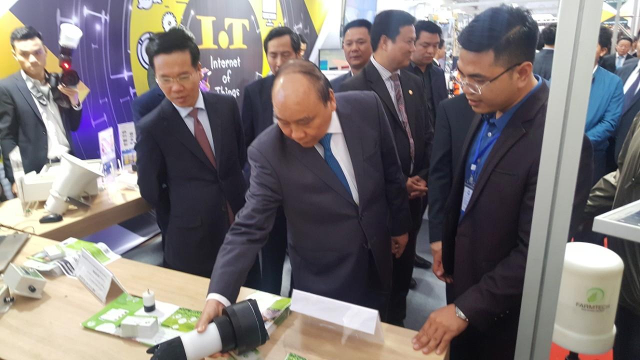 Hành trình tạo ra mạng xã hội nhà nông tích hợp IoT đầu tiên của Việt Nam - Ảnh 2.