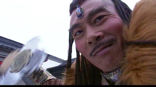 Kiếm hiệp Kim Dung: Những binh khí uy chấn võ lâm khiến bao người thèm khát - Ảnh 6.