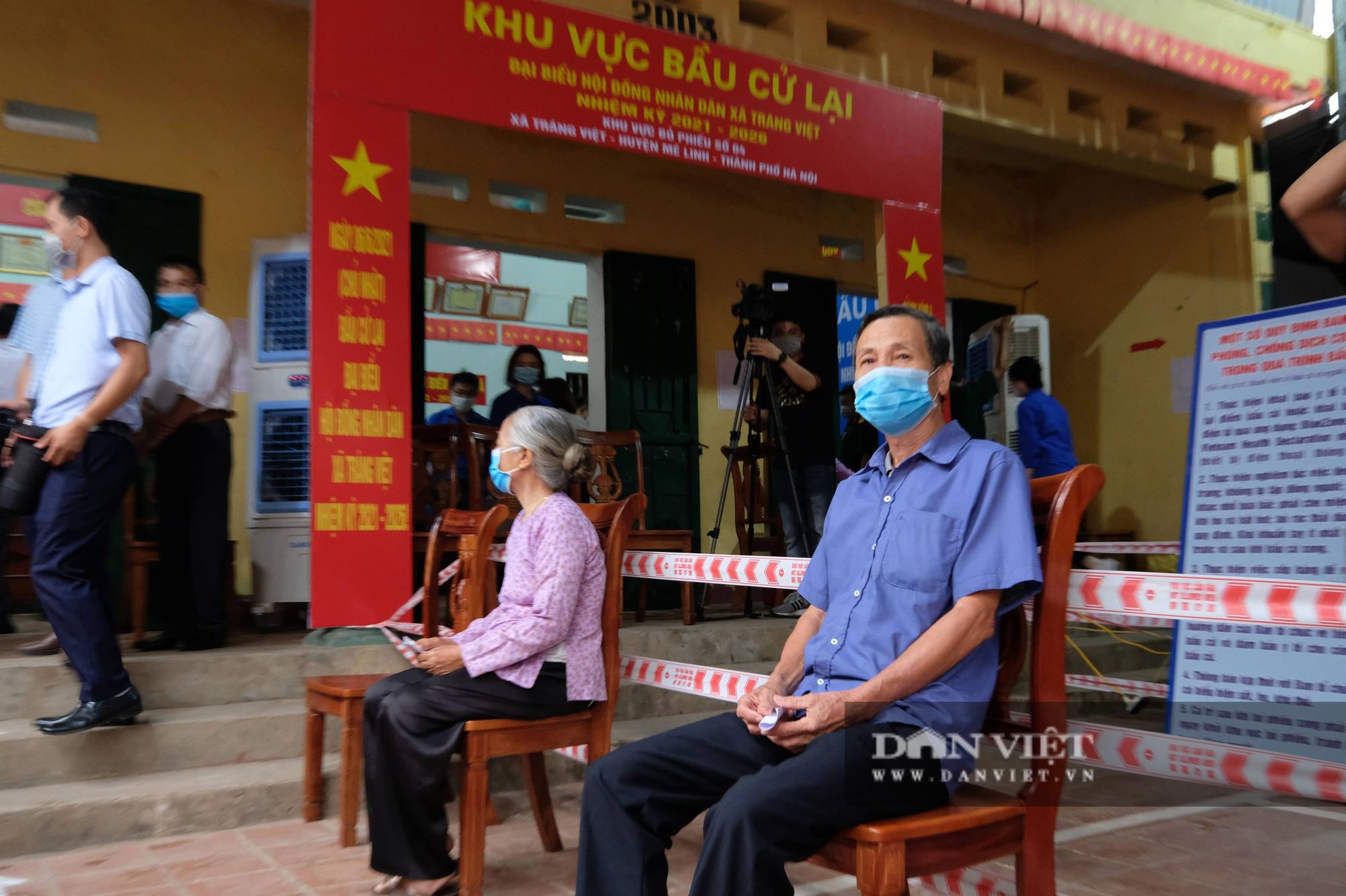 Cử tri Mê Linh bầu cử lại sau vụ Chủ tịch HĐND xã mang 75 phiếu về nhà tự gạch - Ảnh 6.