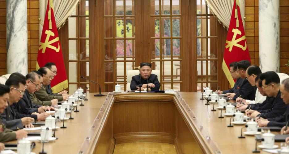 Kim Jong-un bất ngờ triệu tập Bộ Chính trị họp khẩn sau 1 tháng vắng bóng vì các vấn đề cấp bách nào? - Ảnh 1.