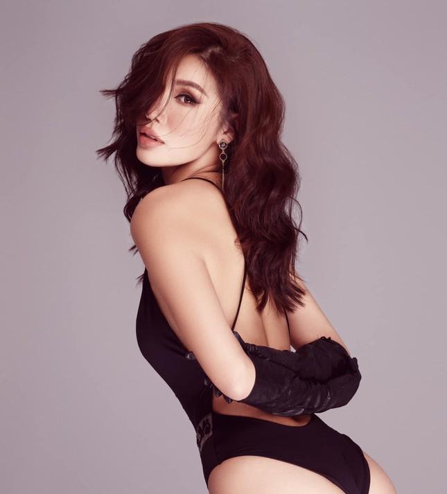Hồ Ngọc Hà táo bạo diện váy xẻ sâu, Quỳnh Nga dẫn đầu top sao mặc đẹp tuần qua - Ảnh 5.