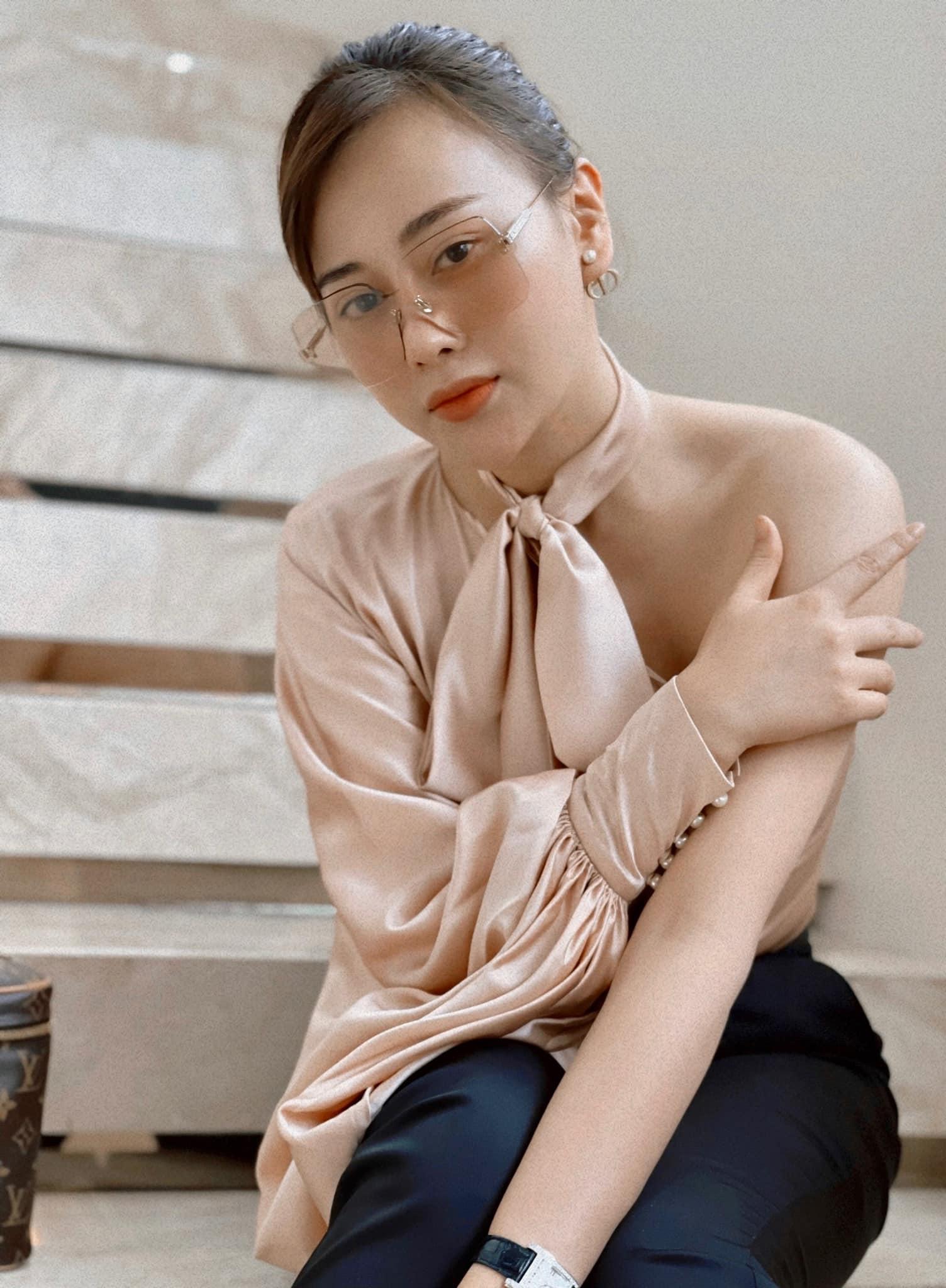 Hồ Ngọc Hà táo bạo diện váy xẻ sâu, Quỳnh Nga dẫn đầu top sao mặc đẹp tuần qua - Ảnh 12.