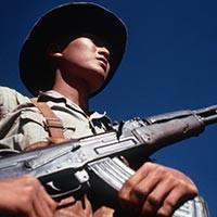 Vũ khí cá nhân của chiến sĩ Giải phóng quân trước khi có AK-47 - Ảnh 1.