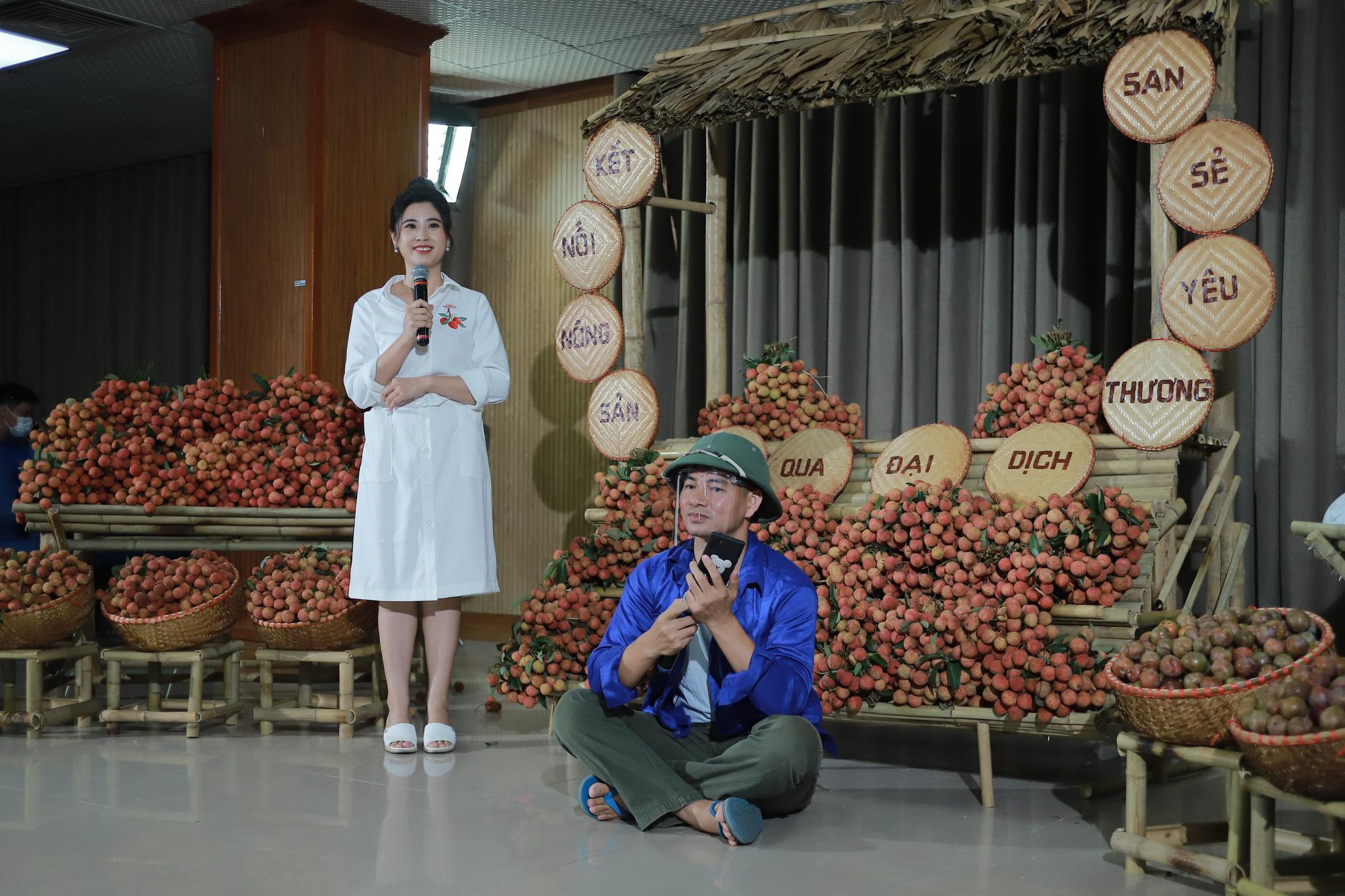 Xuân Bắc đội mũ cối livestream bán vải thiều Lục Ngạn, Bảo Thanh lập tức vào chốt đơn 100kg - Ảnh 3.