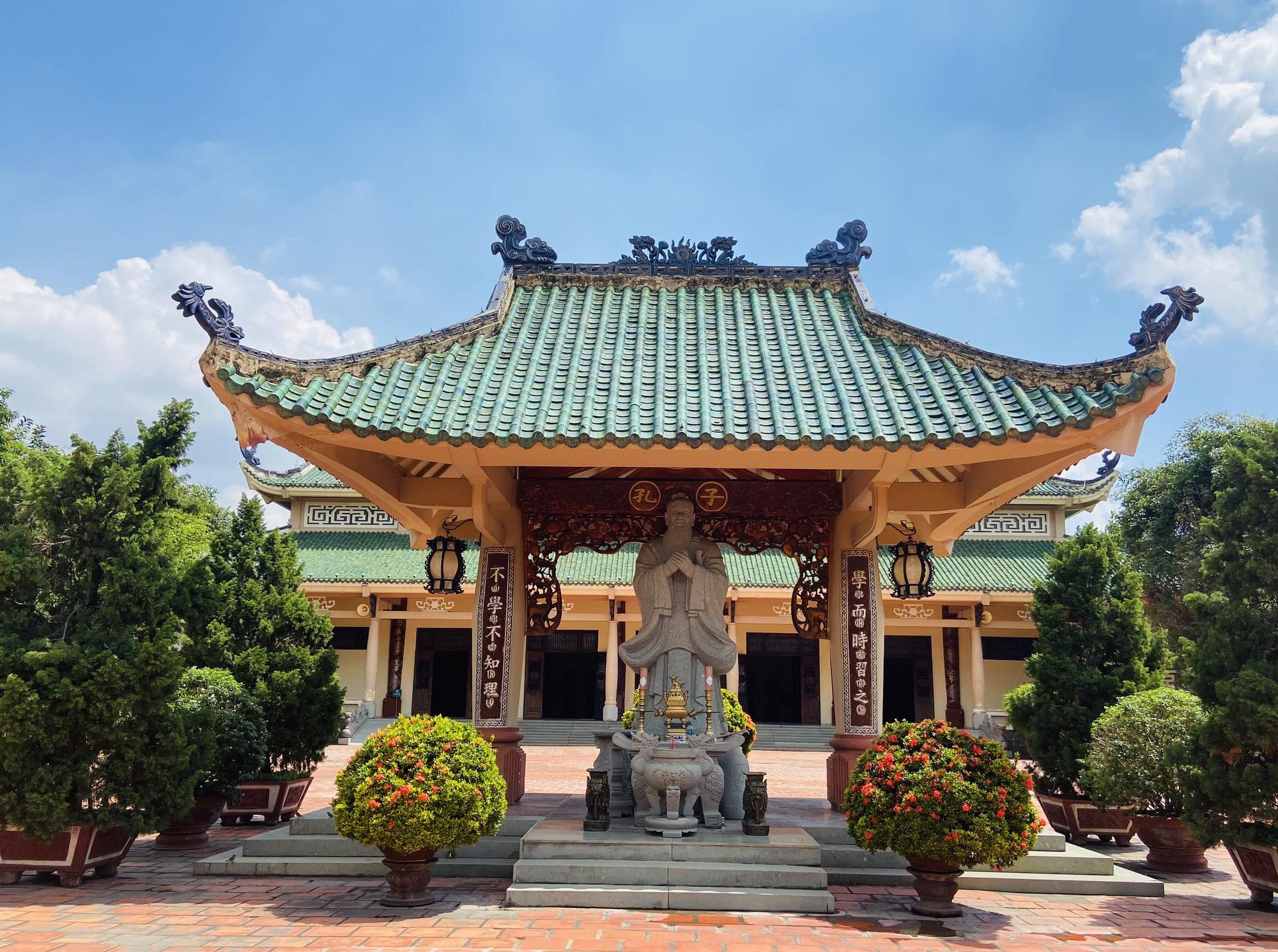 Văn miếu đầu tiên của miền Nam, nơi lưu giữ truyền thống văn hoá - giáo dục đất Biên Hoà - Ảnh 5.
