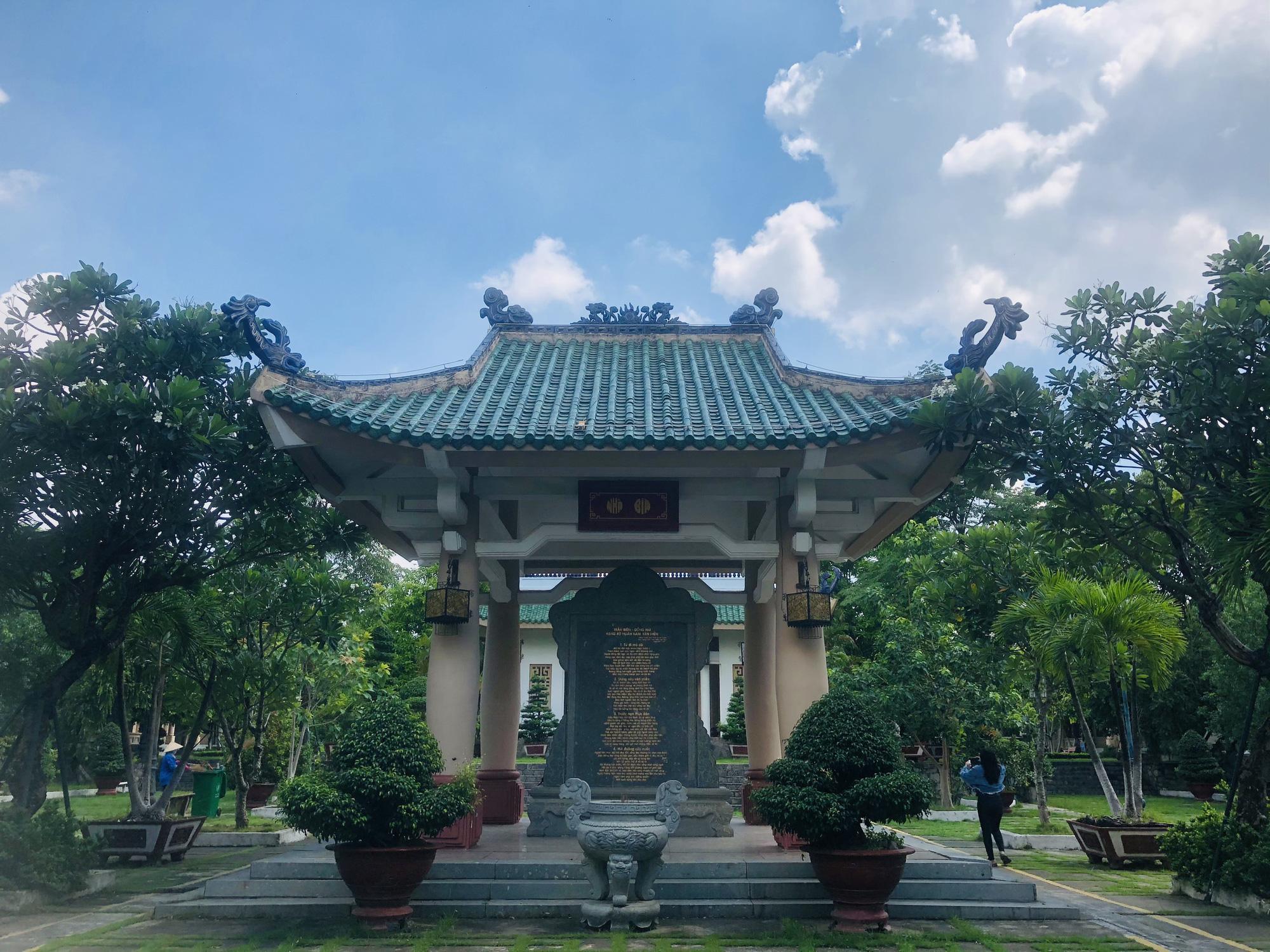 Văn miếu đầu tiên của miền Nam, nơi lưu giữ truyền thống văn hoá - giáo dục đất Biên Hoà - Ảnh 4.