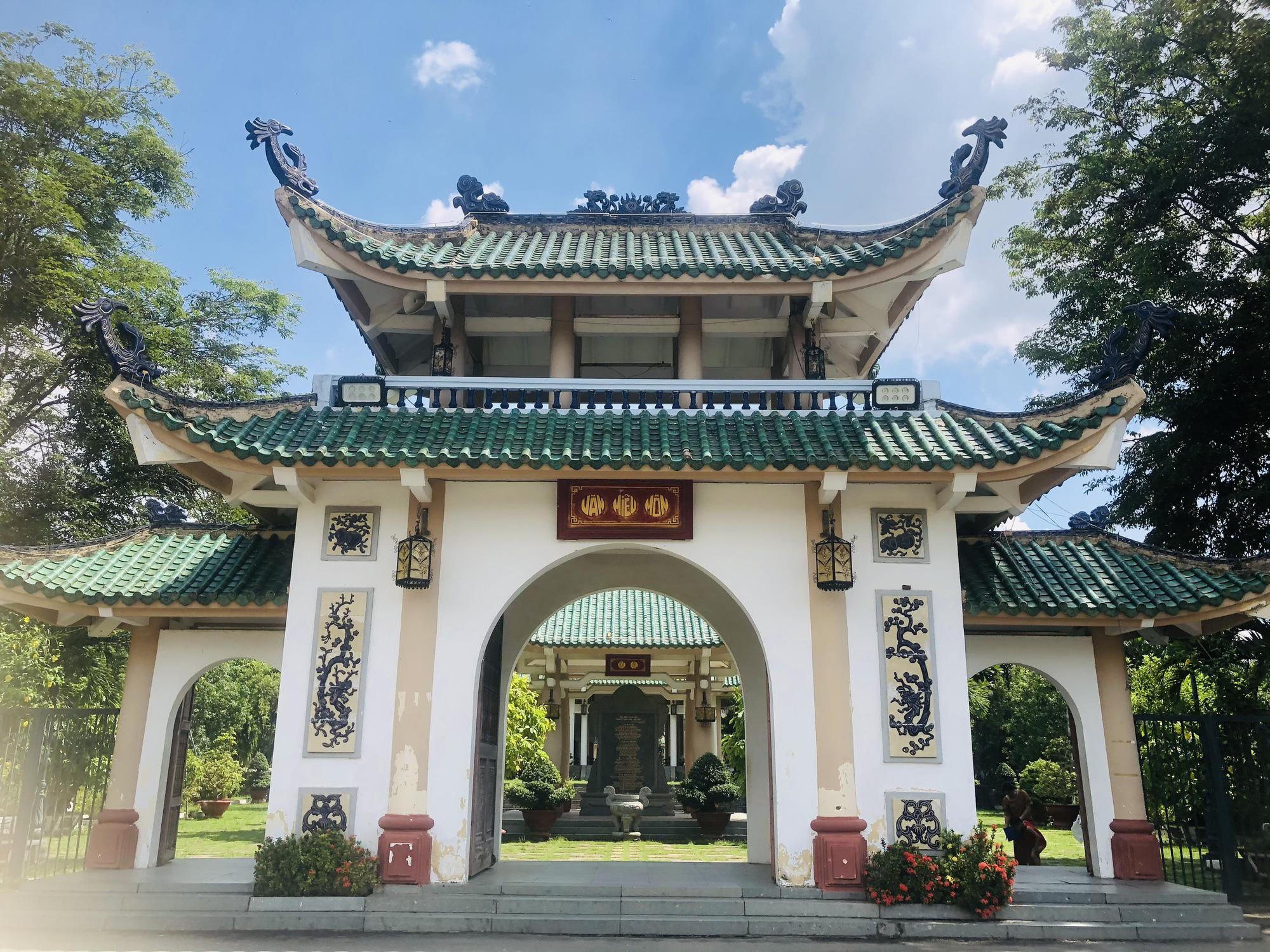 Văn miếu đầu tiên của miền Nam, nơi lưu giữ truyền thống văn hoá - giáo dục đất Biên Hoà - Ảnh 1.