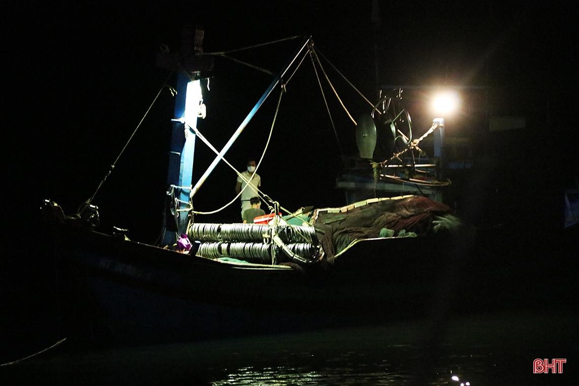 Hà Tĩnh: Hàng chục năm đi biển mới trúng mẻ cá hiếm gặp, ngư dân thu hàng trăm triệu đồng nhờ loài cá quý này - Ảnh 3.