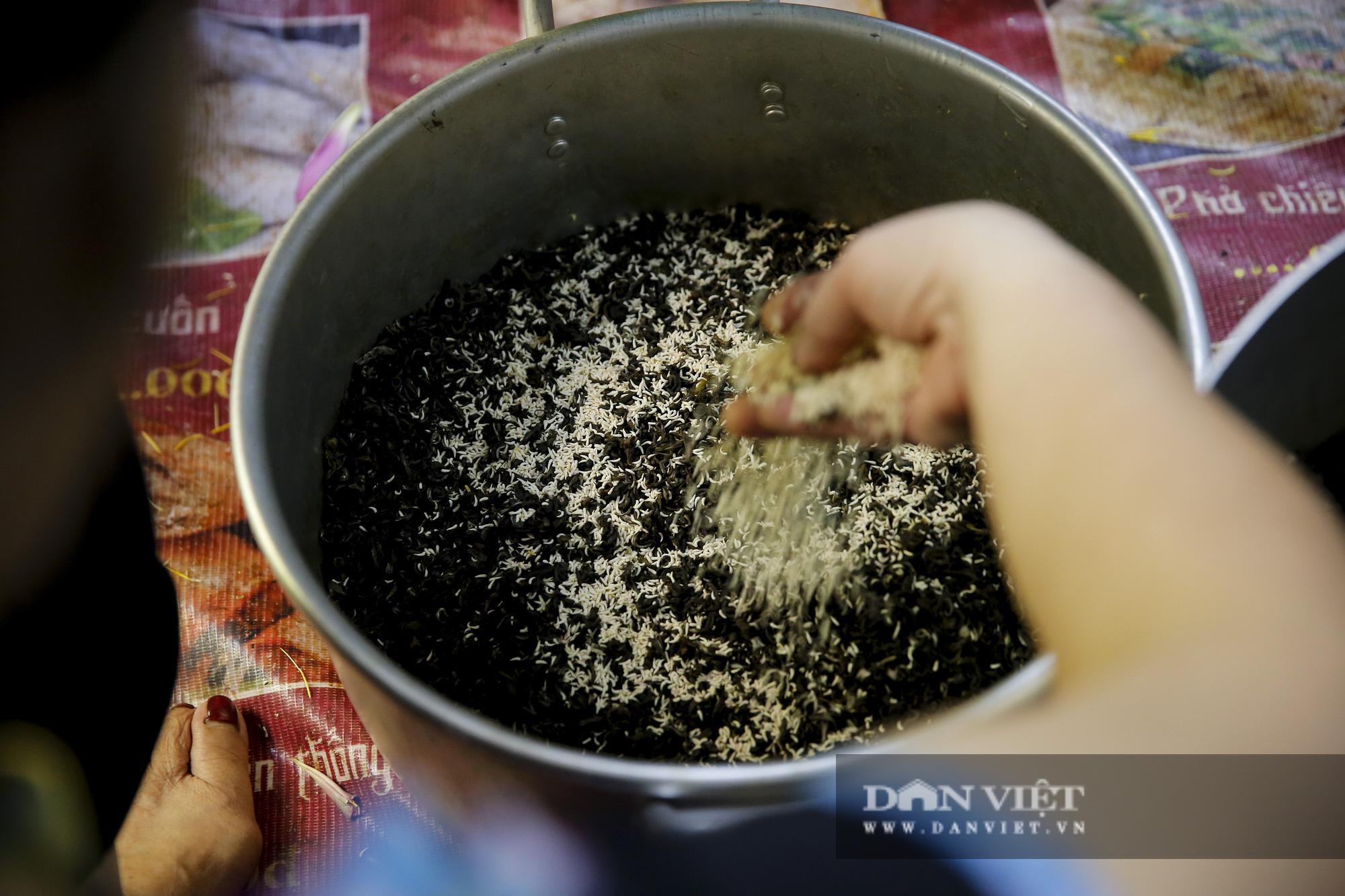 Tận mắt xem quy trình ướp trà sen đắt nhất Việt Nam - Ảnh 9.