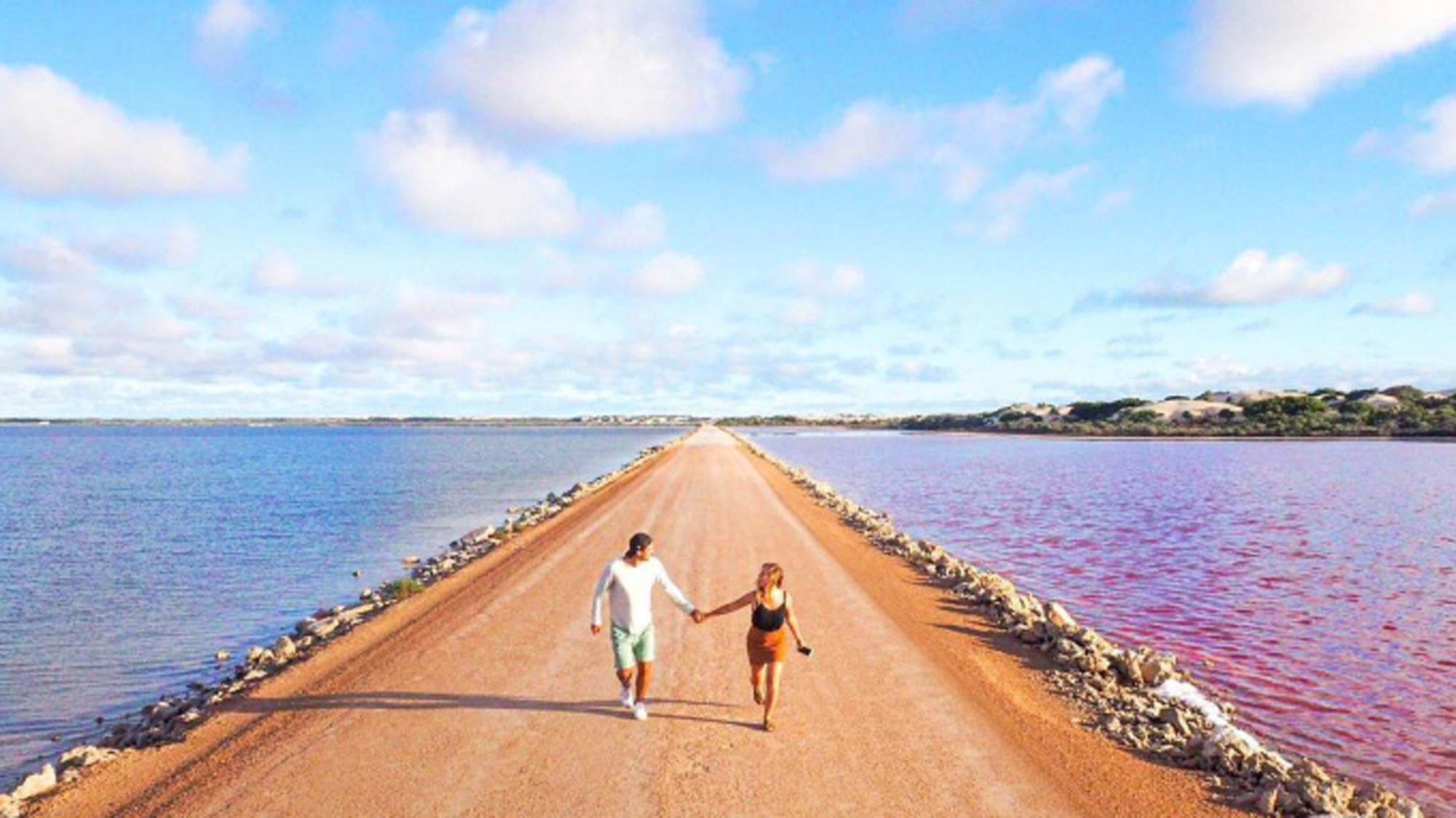 Con đường siêu đẹp giữa hai luồng nước xanh và hồng - Ảnh 5.