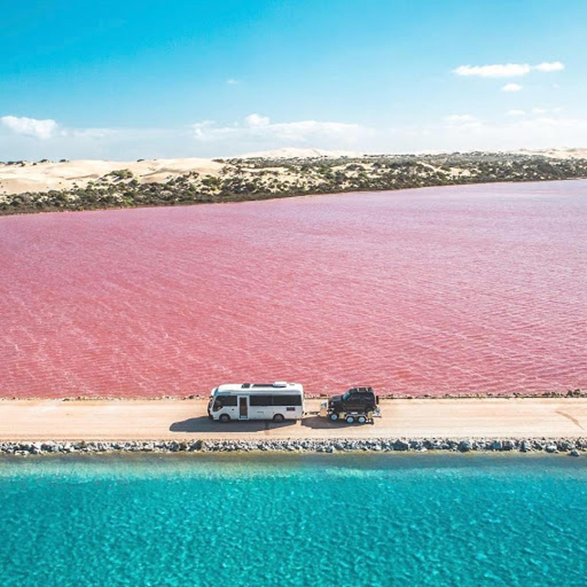 Con đường siêu đẹp giữa hai luồng nước xanh và hồng - Ảnh 6.