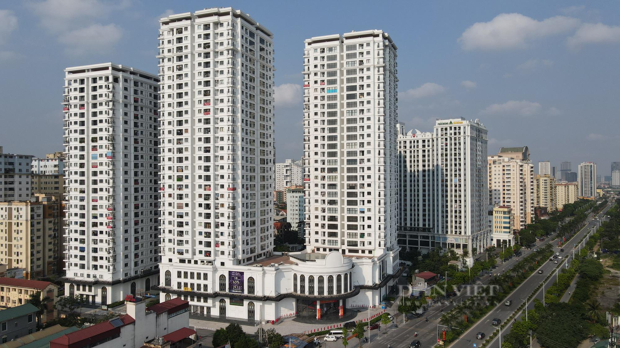 Dịch Covid-19 kéo dài, nhiều chủ đầu tư dự án bất động sản 'ém hàng' - Ảnh 1.