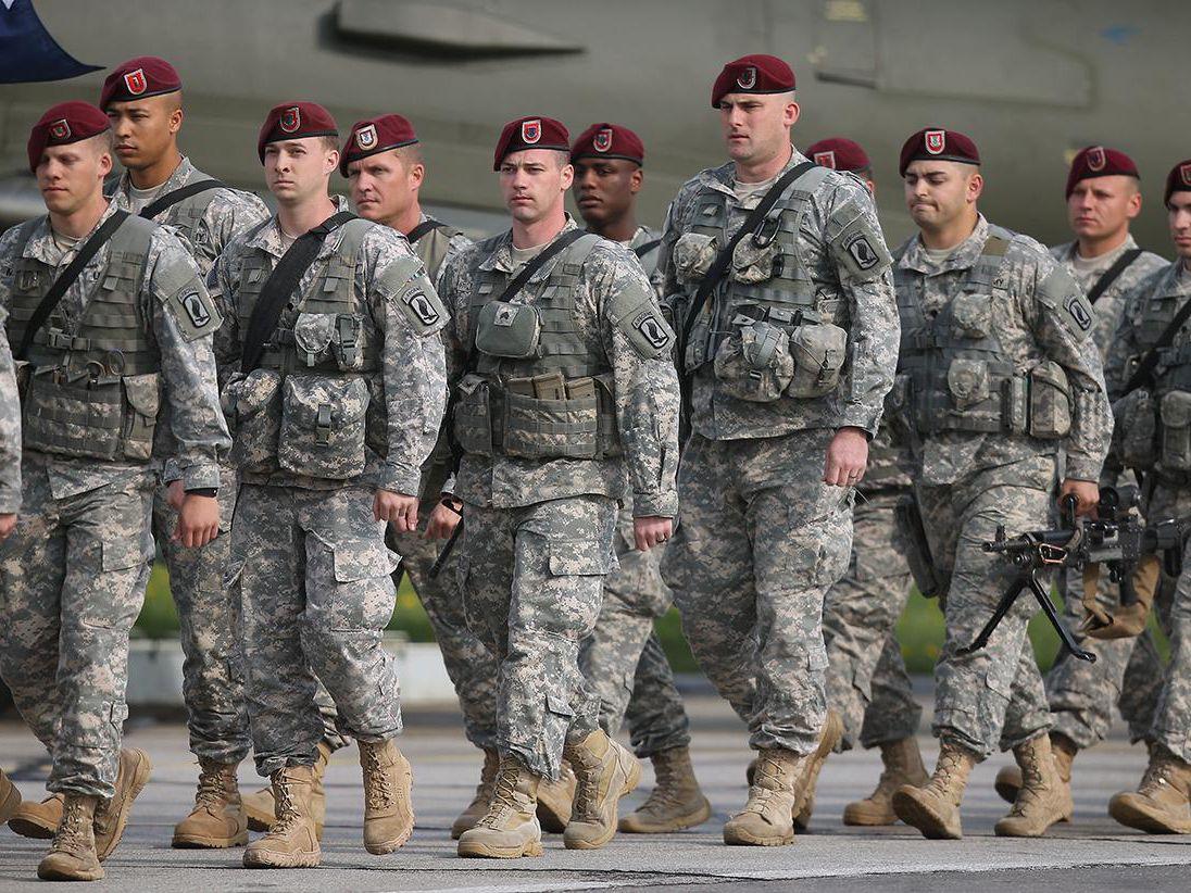 Đại tá Mỹ dự báo kết cục bi thảm của NATO nếu động đến Nga và Trung Quốc - Ảnh 1.