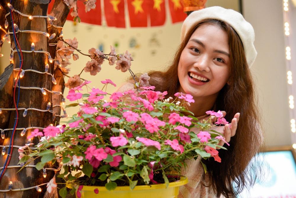 4 chuyền hai tuyệt sắc của bóng chuyền nữ Việt Nam: Đủ sức thi hoa hậu - Ảnh 4.
