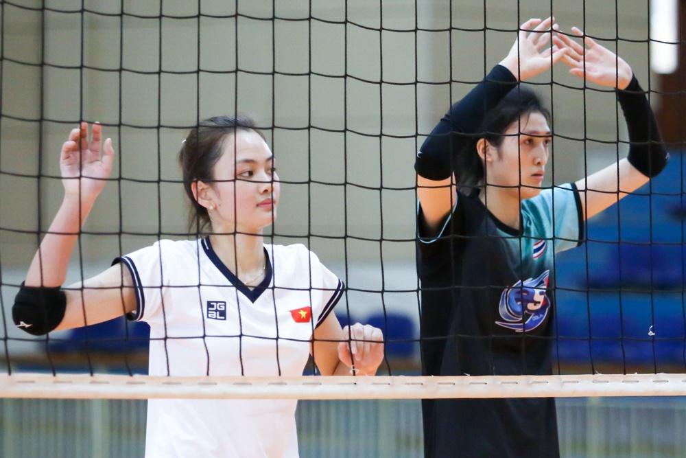 4 chuyền hai tuyệt sắc của bóng chuyền nữ Việt Nam: Đủ sức thi hoa hậu - Ảnh 3.