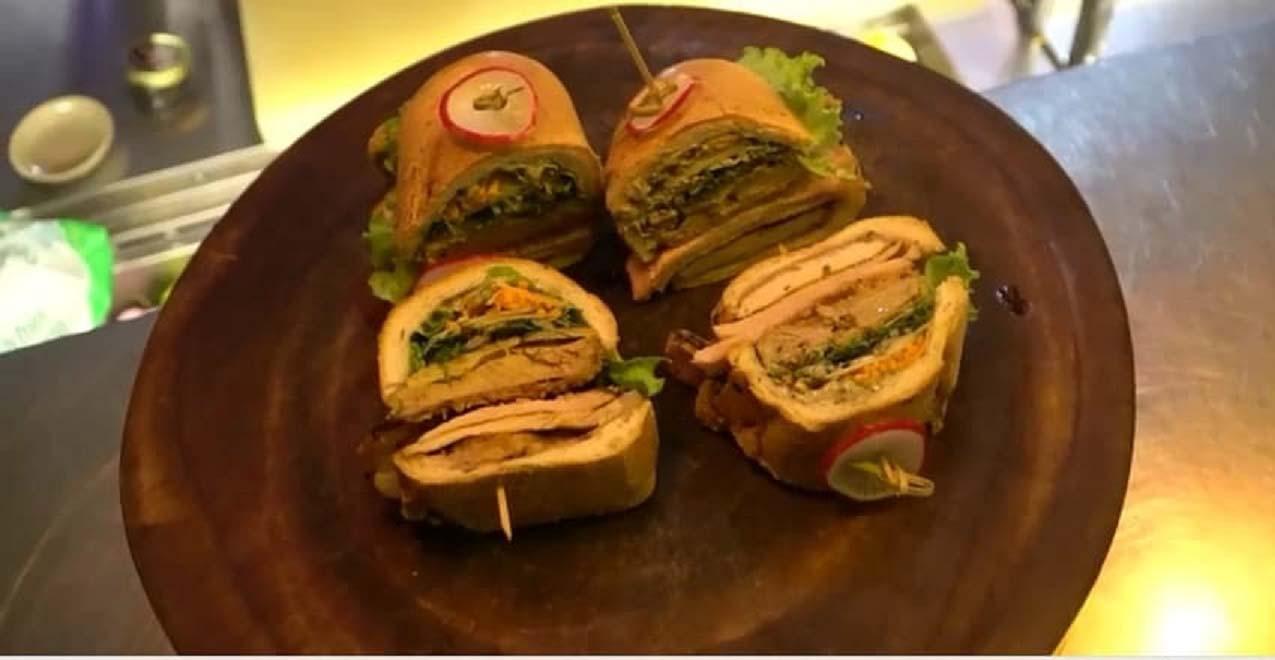 Món ăn bình dân với giá 20k được nâng tầm thành 2 triệu đồng chỉ có ở Việt Nam - Ảnh 2.