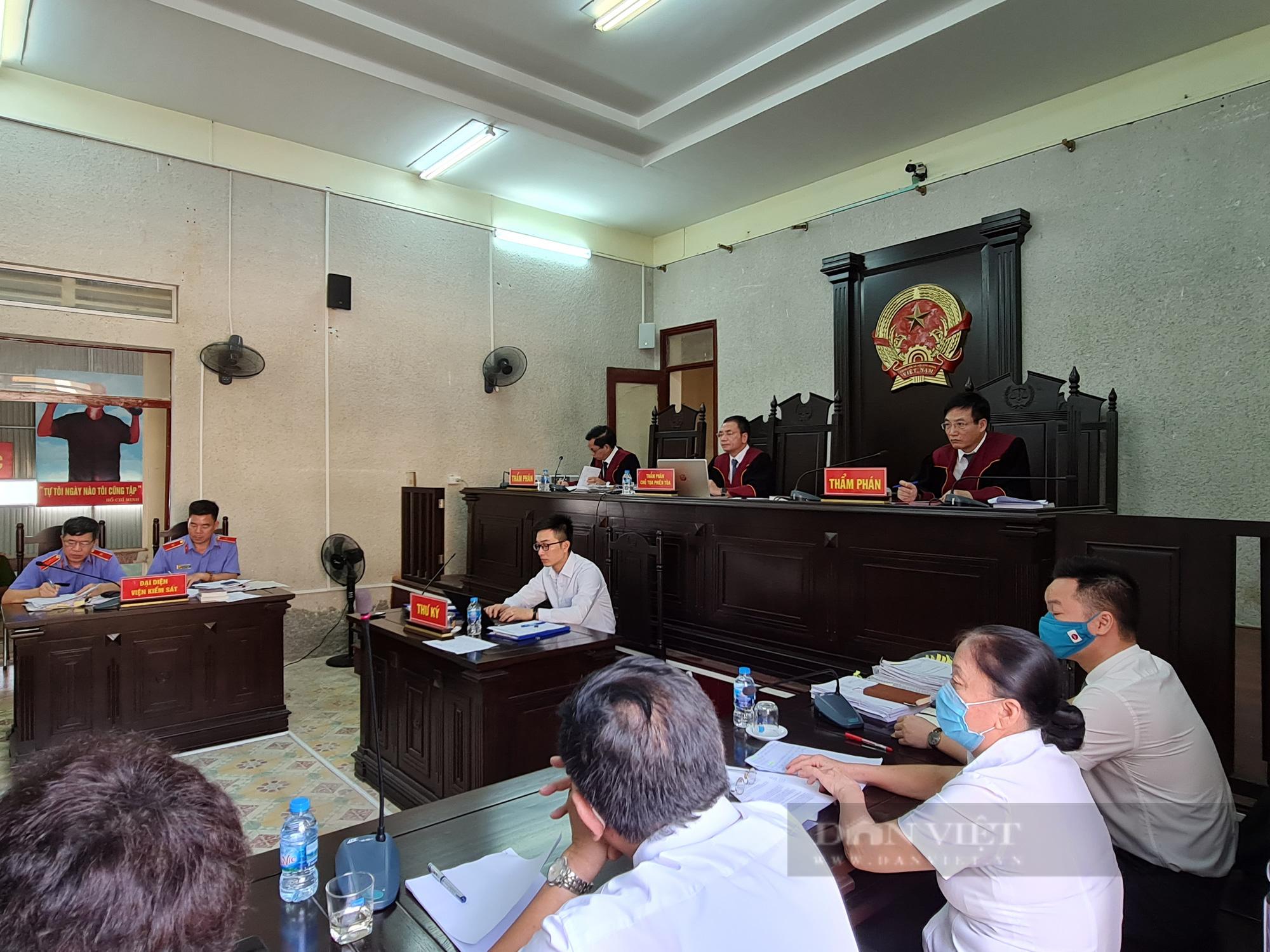 Hoãn phiên tòa phúc thẩm xét xử Trần Thị Hiền, mẹ nữ sinh giao gà - Ảnh 1.
