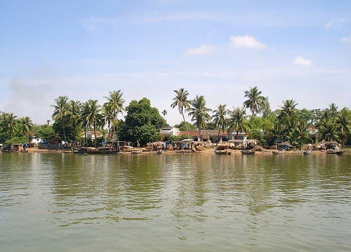 Quảng Nam: Càng làng này từ thời cha ông mở đất cho đến nay chỉ làm nghề đi lùi dưới sông bắt con đặc sản - Ảnh 1.