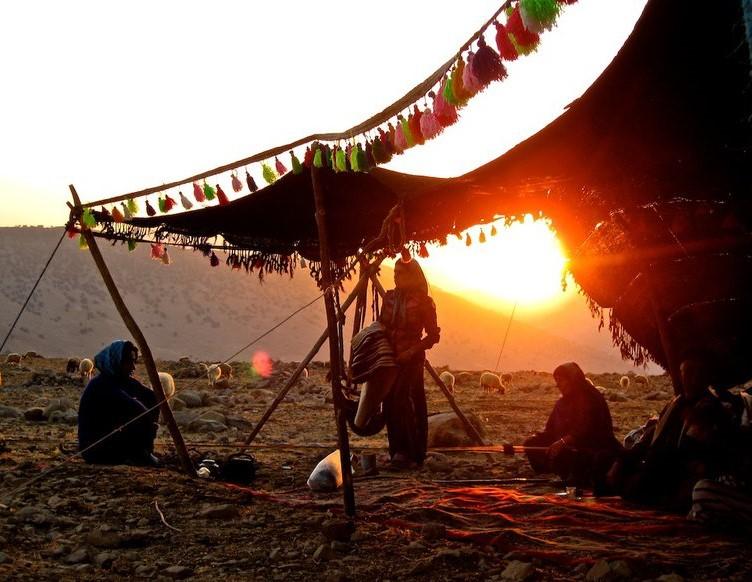 Bộ lạc du mục Qashqa'i chỉ cho phép đàn ông đa thê theo lựa chọn của vợ - Ảnh 3.