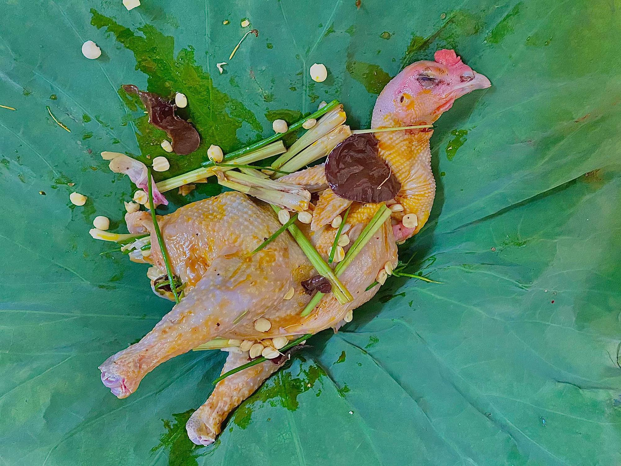 Đang sẵn hạt sen tươi, kết hợp cùng gà theo cách này đảm bảo ngon vô đối, bảo sao vua chúa ngày xưa cũng mê - Ảnh 4.