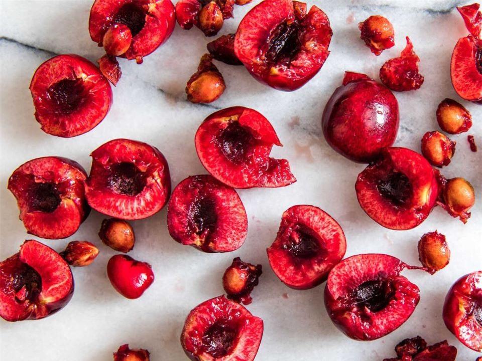 5 sai lầm khi ăn quả cherry có thể khiến bạn ngộ độc, thậm chí tử vong - Ảnh 2.