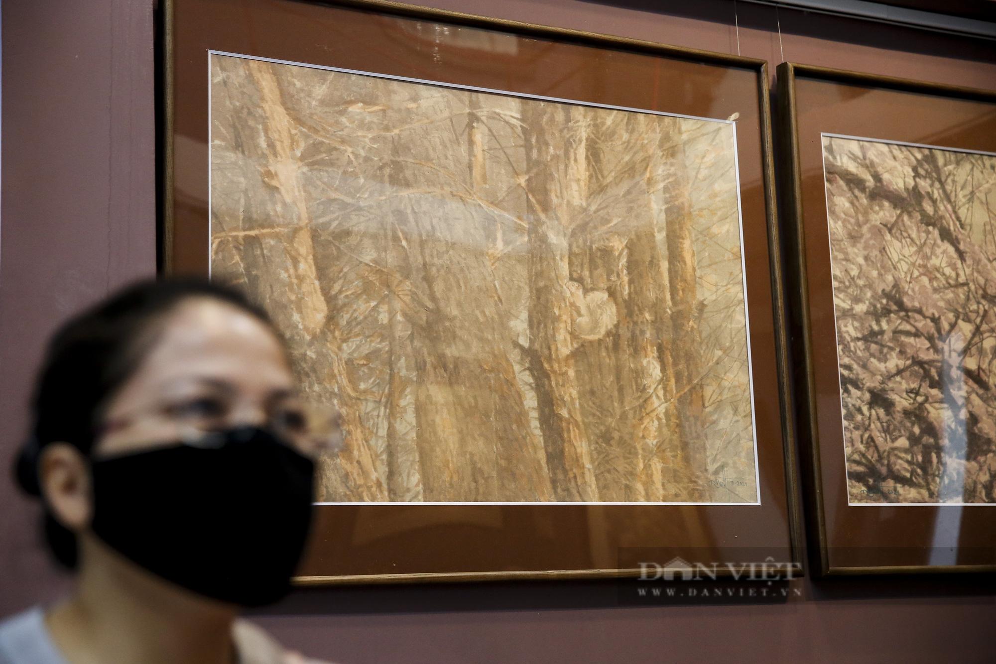 Chiêm ngưỡng không gian tranh giấy dó truyền thống đặc biệt tại Hà Nội - Ảnh 4.
