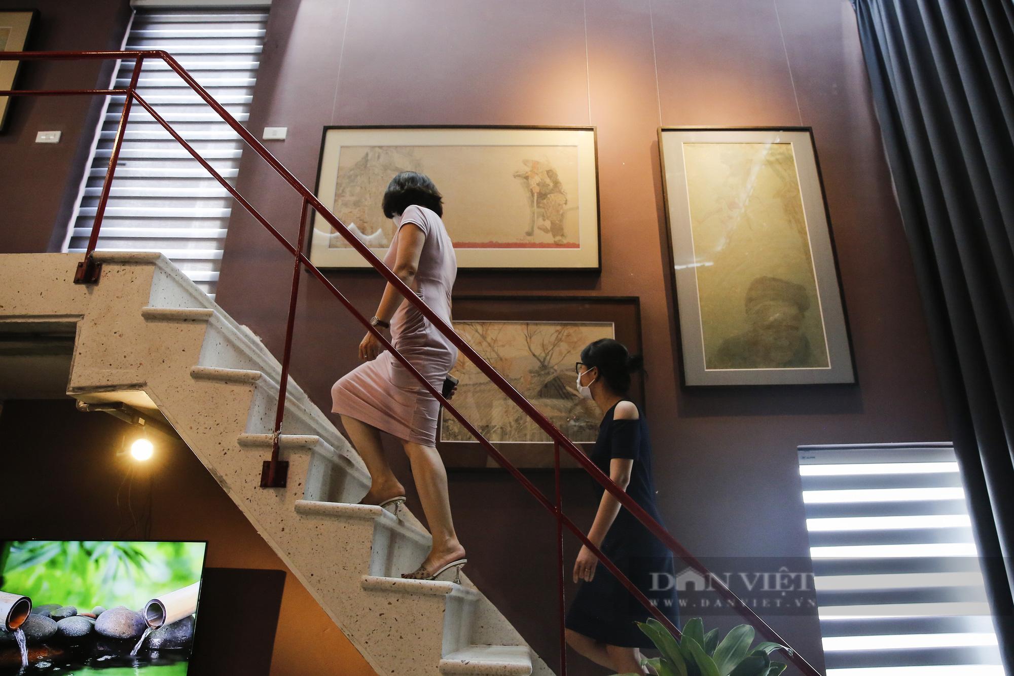 Chiêm ngưỡng không gian tranh giấy dó truyền thống đặc biệt tại Hà Nội - Ảnh 5.