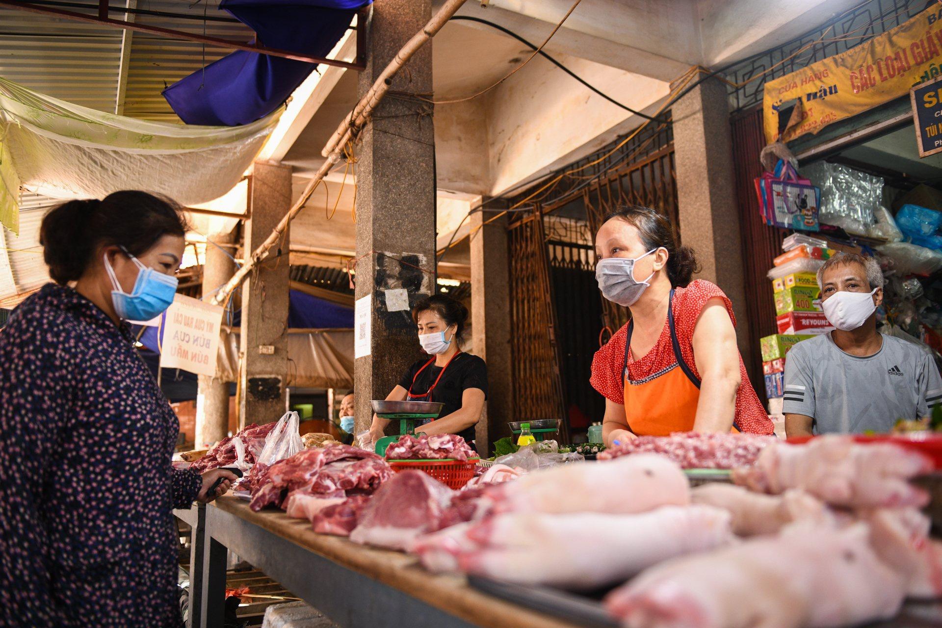 Giá lợn hơi xuống mức thấp nhất trong gần 2 năm - Ảnh 2.