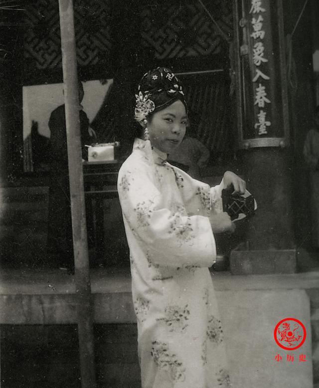 Phi tần kém sắc dám ly hôn hoàng đế Trung Quốc, cuối đời túng quẫn phải bán hàng rong kiếm sống - Ảnh 7.