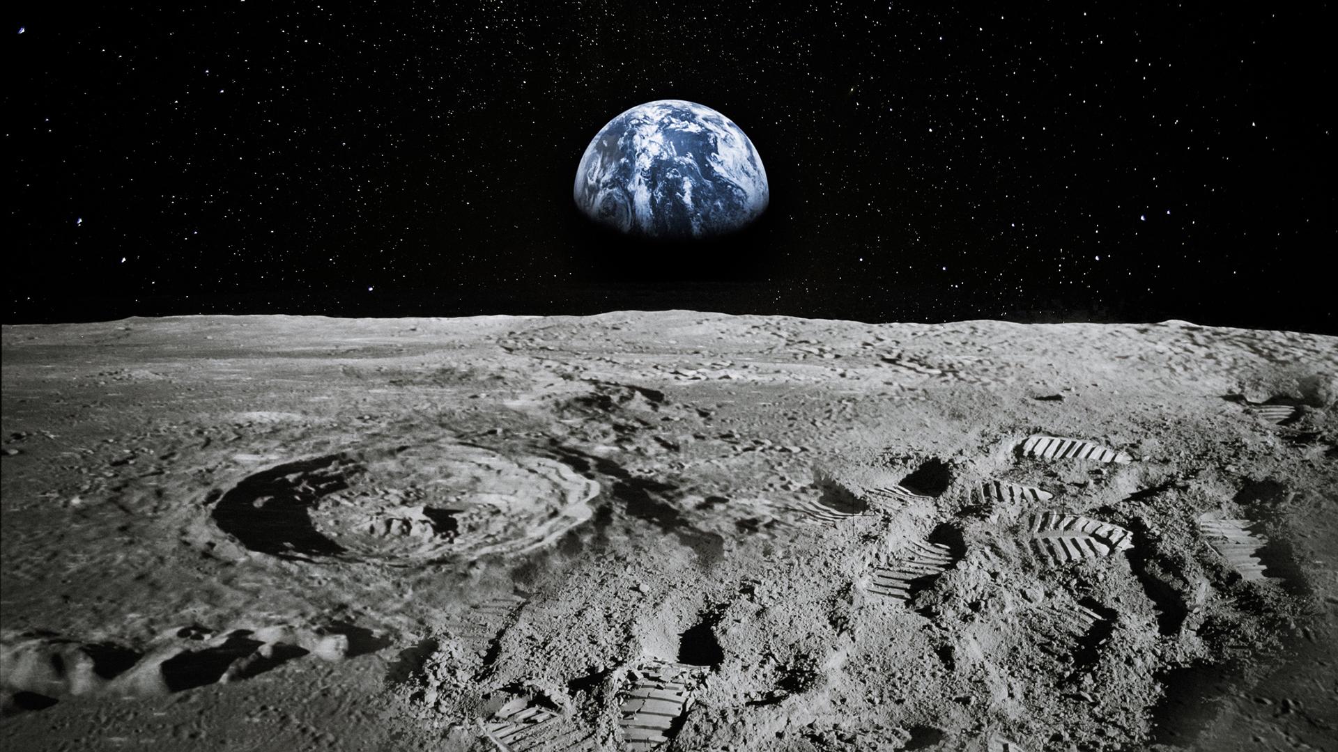 Con người sẽ đào sâu xuống bề mặt của Mặt trăng, khai thác các nguồn tài nguyên quý, năng lượng và khoáng chất, bạch kim và đất hiếm trong tương lai gần. Ảnh: @AP.