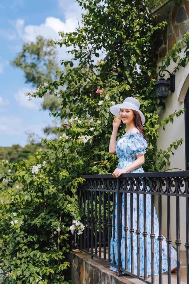 Midu hiếm hoi hở bạo bên bồn tắm, Trần Tiểu Vy diện váy xẻ sâu dẫn đầu top sao mặc đẹp tuần qua - Ảnh 12.