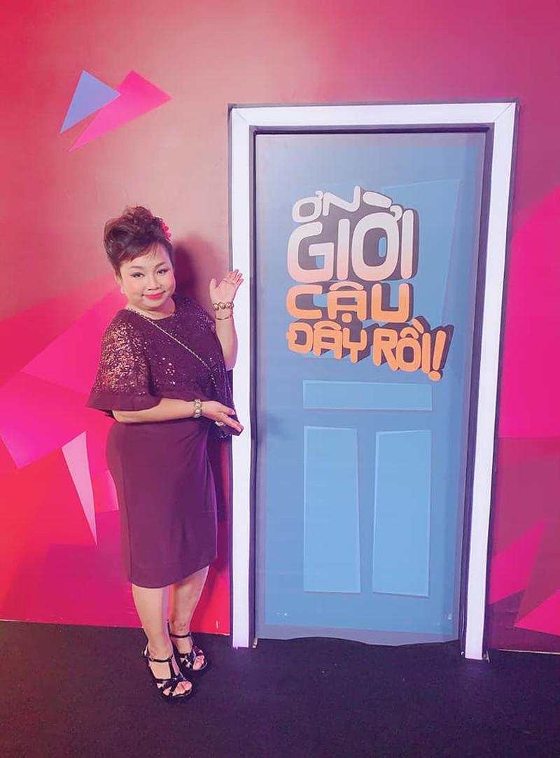 HOT showbiz (19/7): Angela Phương Trinh bị chỉ trích vì chữa ung thư bằng cách nói chuyện